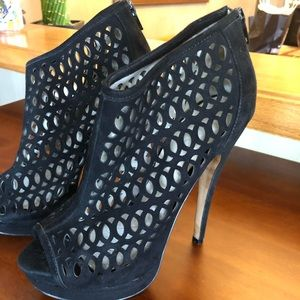 Aldo cut out black suede heels